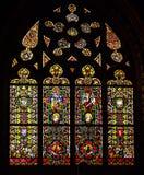 窗玻璃在古老宽容大教堂里 库存照片