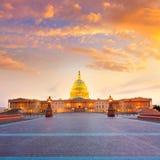 建立华盛顿特区日落美国国会的国会大厦 免版税库存照片