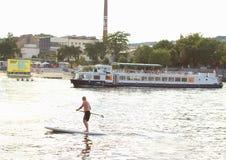 立场桨搭乘 库存图片