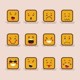 立方体字符集合逗人喜爱的平的设计用不同的表情,情感的 被隔绝的emoji的收藏  皇族释放例证