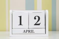 立方体形状日历4月12日 图库摄影
