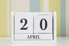 立方体形状日历4月20日 免版税库存照片