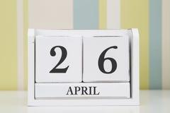 立方体形状日历4月26日 免版税库存照片