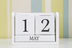 立方体形状日历5月12日 免版税库存照片