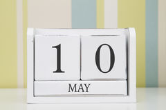 立方体形状日历5月10日 库存照片