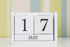立方体形状日历5月17日 库存照片
