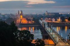 立陶宛。雾的考纳斯老镇 免版税库存照片