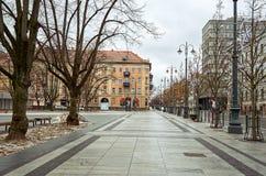 立陶宛 维尔纽斯老街道  新年度在维尔纽斯 2017年12月31日 免版税库存图片