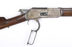 竖起锤子的古色古香的杠杆行动步枪 免版税库存图片
