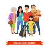 站立与微笑一起的大愉快的家庭 免版税库存照片