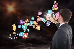 站立和指向3d的被聚焦的商人的综合图象 免版税库存图片