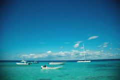 站立在加勒比海的游艇和小船 库存图片