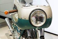 站立在大众集团论坛驱动的杜卡迪750超级体育摩托车在柏林,德国 库存图片