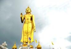 站立在寺庙的菩萨 图库摄影