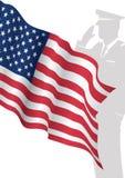 站立在我们前面旗子向致敬的Solider 库存照片