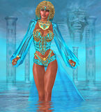 站立在水中的海洋女神 免版税图库摄影