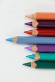 站立从色的铅笔行的Blue pencil  库存照片