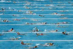 竞争游泳池 免版税图库摄影