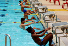 竞争游泳 免版税库存照片