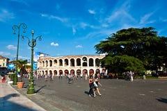 竞技场二维罗纳在意大利 免版税库存图片