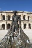 竞技场斗牛士著名法国前巨大的做的多个尼姆全景照片解决方法射击雕象 免版税库存照片