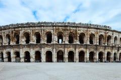 竞技场法国有历史的尼姆罗马的普罗旺斯 免版税库存照片