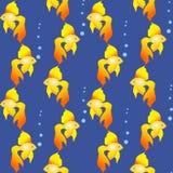 从童话和传奇,无缝的样式的金黄鱼 库存图片