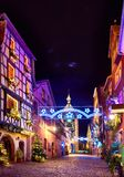 童话圣诞节街道Rue du将军戴高乐美丽 免版税库存照片