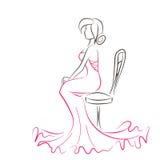 年轻端庄的妇女剪影坐椅子 免版税库存照片
