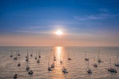 端起在海岛佳丽Ile en梅尔,法国 免版税图库摄影