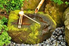 竹喷泉日语 免版税库存图片