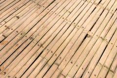 竹地板背景 在热带海岛巴厘岛,印度尼西亚雨林的竹子  免版税库存图片
