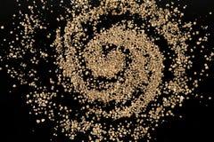 竹富岛海滩罕见的有孔虫类星沙子星系  免版税库存照片