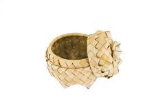 竹小条产品,与盒盖的篮子 库存图片