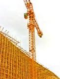 竹脚手架在建造场所 免版税库存图片