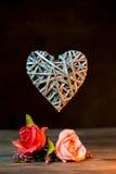 竹织法心脏形状 免版税库存图片
