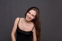 笑有吸引力的妇女画象的年轻人 库存照片