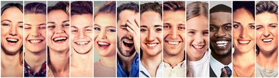 笑的人员 小组愉快的人,妇女,孩子 免版税库存图片