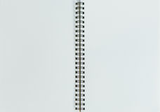 笔、铅笔和笔记薄 平的位置样式 免版税图库摄影