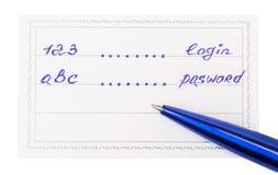 笔和徽章与题字123和abc 库存照片