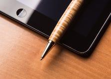 笔和片剂 免版税库存图片