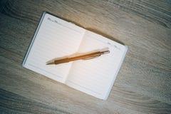 笔和笔记本学生和工作者的 免版税图库摄影