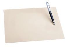 笔和简单的颜色纸 图库摄影