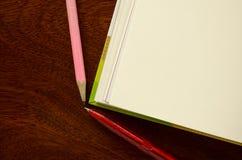 笔和铅笔 库存照片