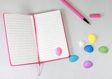 笔记本空铅笔的文本 免版税库存照片