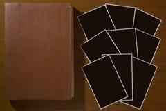 笔记本-日志和一套卡片 库存图片