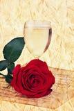 笔记玫瑰色杯老香槟减速火箭的葡萄酒 库存图片