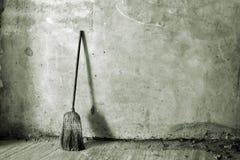 笤帚或长扫帚 免版税库存照片