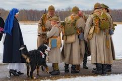 第一个世界的时期战斗的军事历史重建在Borodino领域的2016年3月13日 图库摄影