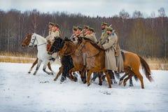 第一个世界的时期战斗的军事历史重建在Borodino领域的2016年3月13日 库存照片
